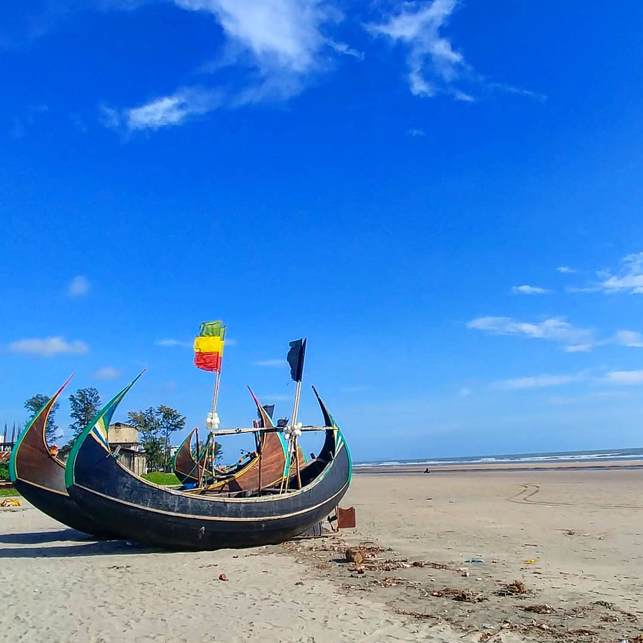 The traditional fishing boats that people in Cox's Bazar use.